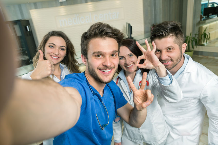 How Physician Recruiters Can Be a Resource to Medical Students and Residents